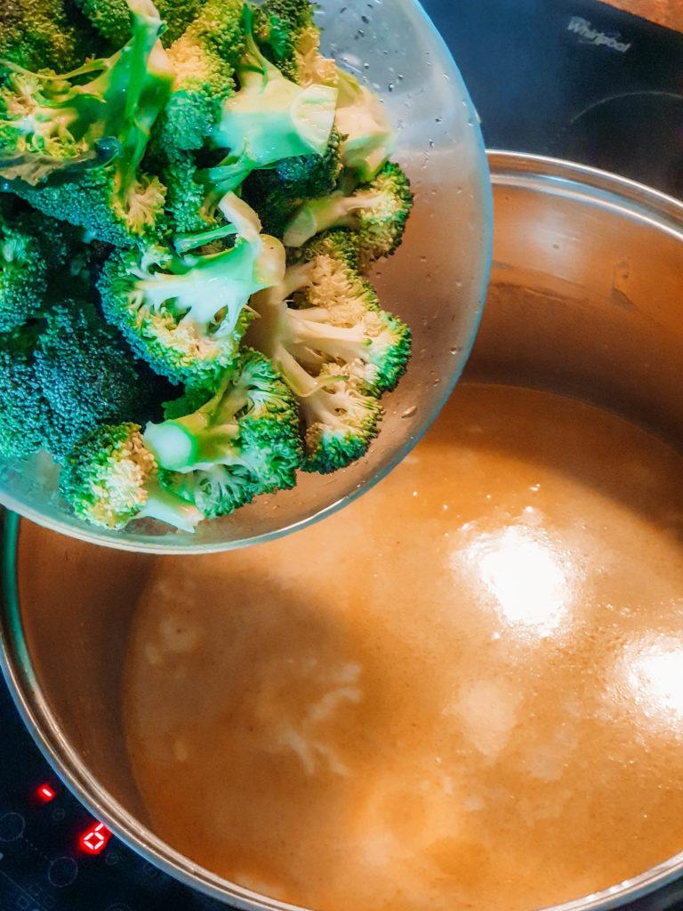 różyczki brokuła tajska zupa