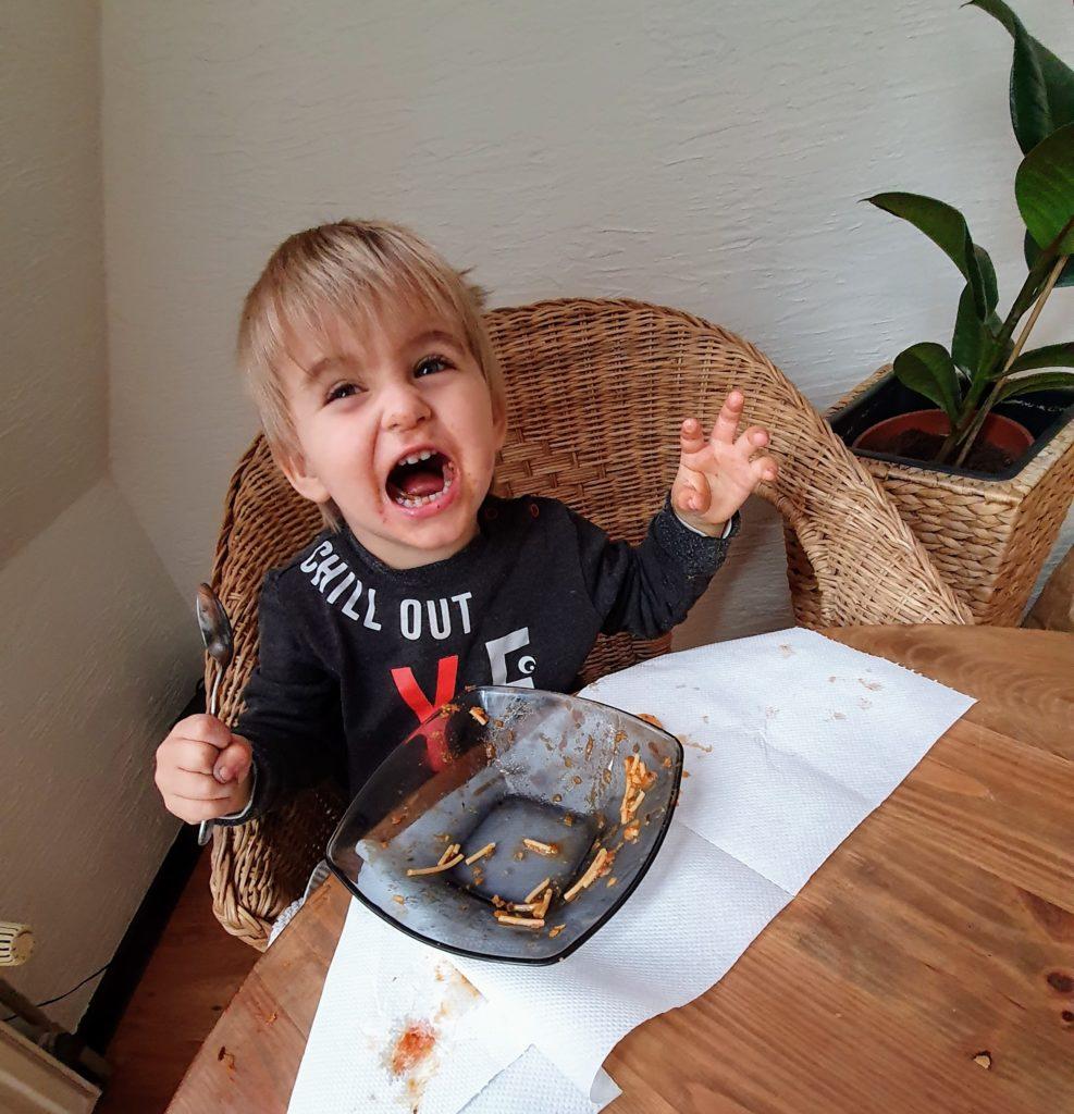 dziecko je Spaghetti alla puttanesca